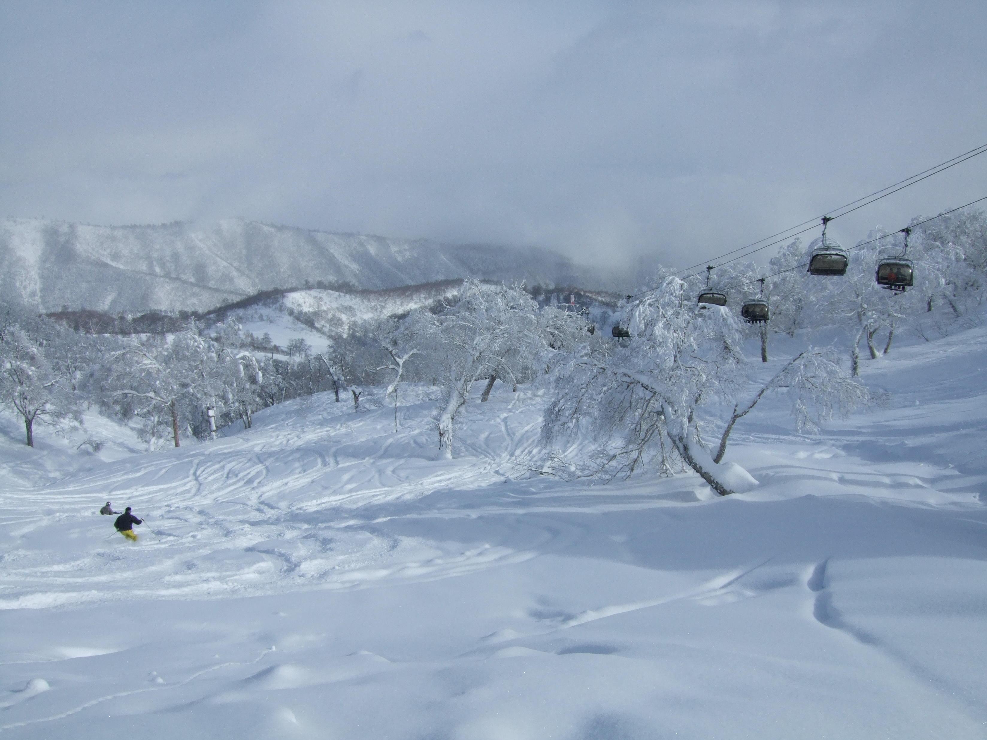 野沢温泉スキー場、クリックすると、ムービーが動きます。